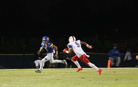 After being held scoreless in the first half, Serra scores 4 unanswered touchdowns to win 28-12
