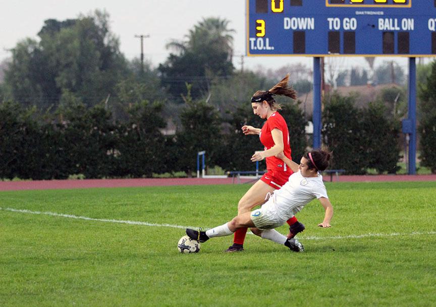Lady Lancers defeat La Salle 1-0 in defensive struggle