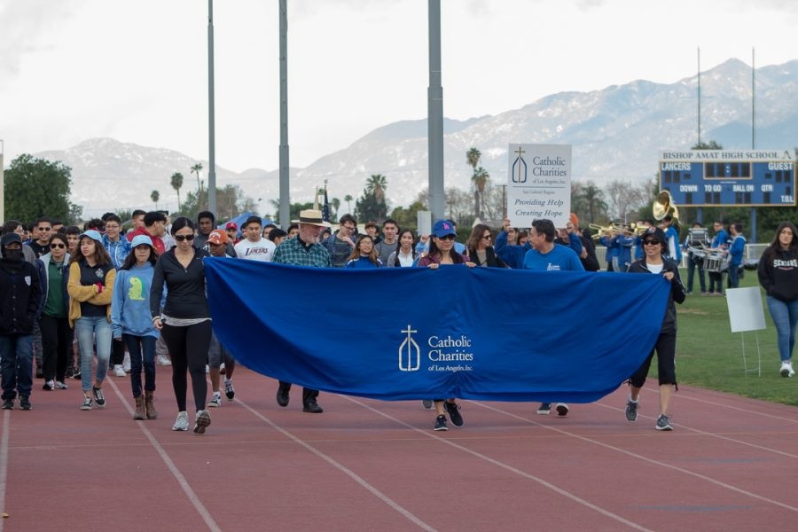 Amat family walks to help the homeless